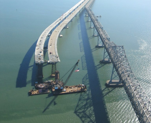 San_Francisco-Oakland_Bay_Bridge,_helicopter_view_2